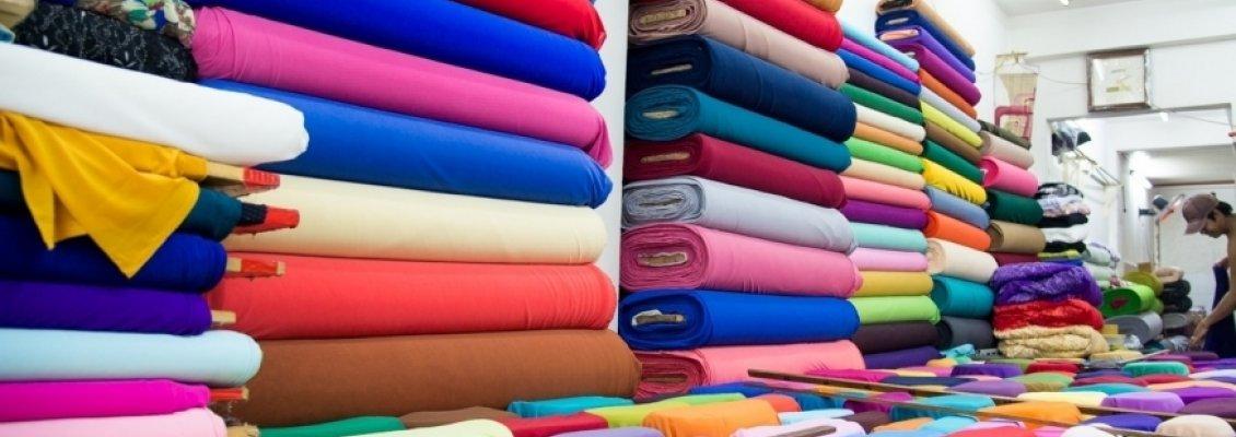 Khó khăn ở khâu chọn vải để đặt may áo phông đồng phục? Vài gợi ý cho bạn đây!